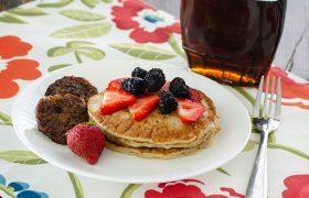 Overnight Sourdough Pancakes | realmomkitchen.com