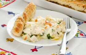 Chicken Alfredo Tortellini Casserole | realmomkitchen.com