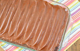 One Minute Chocolate Frosting | realmomkitchen.com