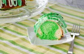 St. Patrick's Day Bundt Cake | realmomkitchen.com