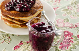 Easy Homemade Blueberry Sauce | realmomkitchen.com