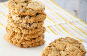 Laura Bush's Cowboy Cookies | realmomkitchen.com