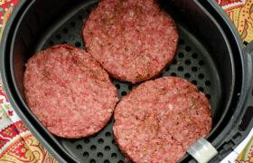 Air Fryer Hamburgers | realmomkitchen.com