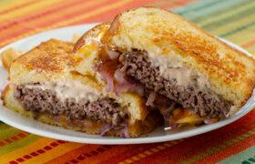 Amazing Patty Melt Sandwiches | realmomkitchen.com
