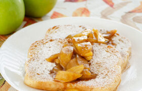 Apple Cinnamon French Toast | realmomkitchen.com