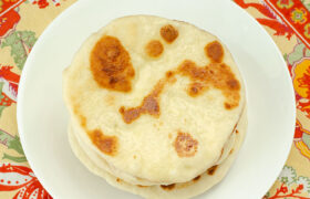 Easy Naan Bread | realmomkitchen.com