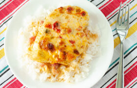 Baked Queso Chicken | realmomkitchen.com