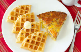 Simple Fluffy Waffles | realmomkitchen.com