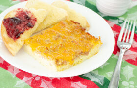 Egg Sausage and Hashbrown Casserole | realmomkitchen.com