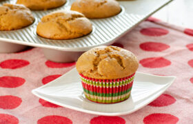 Gingerbread Muffins | realmomkitchen.com