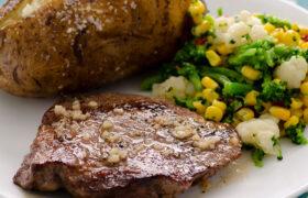 Baked Garlic Butter steak | realmomkitchen.com