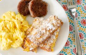 Crunchy Baked Frrench Toast Sticks | realmomkitchen.com