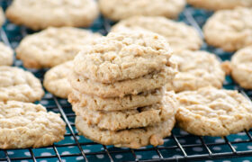 Peanut Butter Oatmeal Cookies | realmomkitchen.com