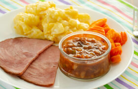 Slow Cooker Pineapple Baked Beans   realmomkitchen.com