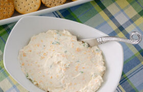 Green Onion Cheese Ball | realmomkitchen.com