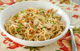 Homemade Chicken Chow Mein | realmomkitchen.com