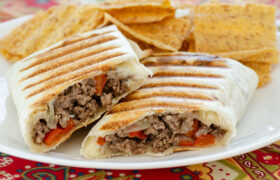 Philly Cheese Steak Wraps | realmomkitchen.com