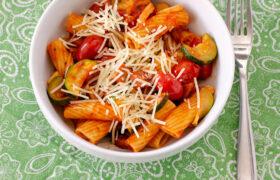 Tomato Sausage Zucchini Pasta | realmomkitchen.com