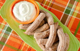 Pumpkin Churros with Cream Cheese Dip | realmomkitchen.com
